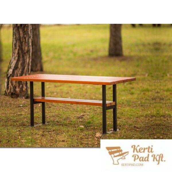 Spárta köztéri asztal
